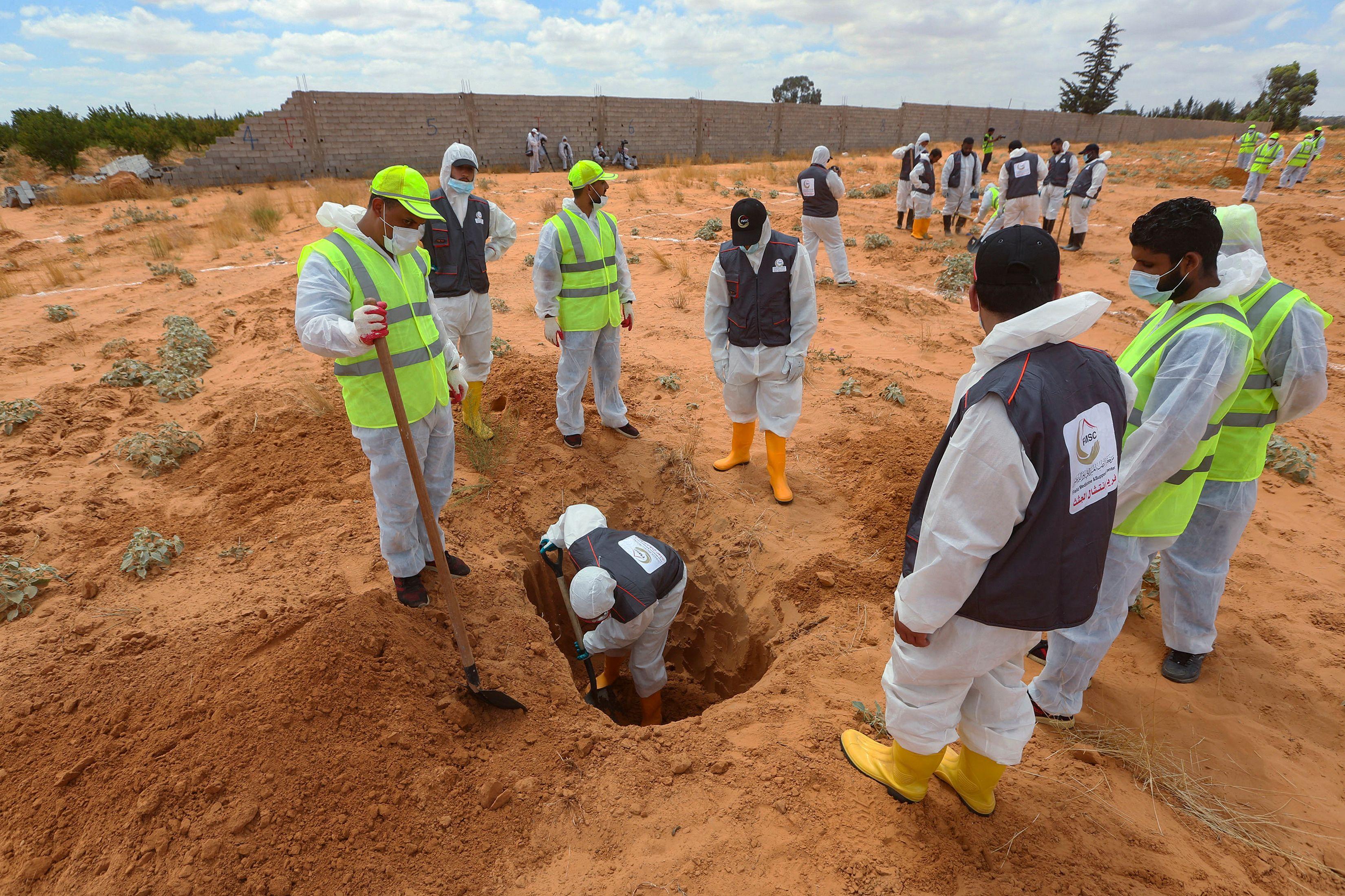 مقابر ترهونة الجماعية... حقيقة قاسية لأهالي المفقودين في ليبيا