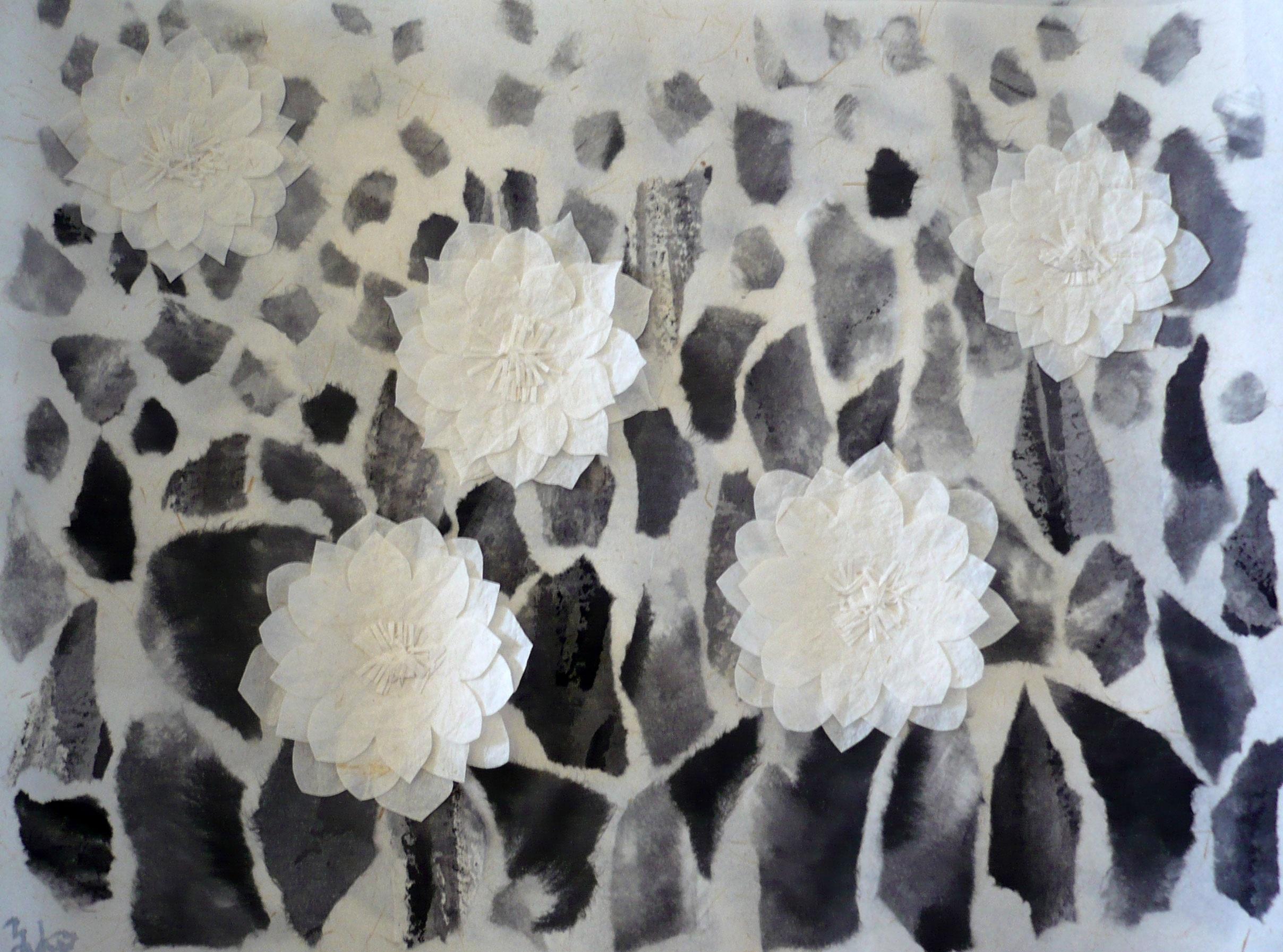 (عمل للفنانة اليابانية يوكو كاواغوتشي، من المعرض)