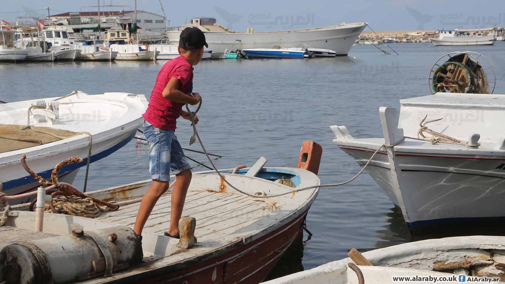 استخدم المهاجرون مراكب صيد مثل هذه (حسين بيضون)