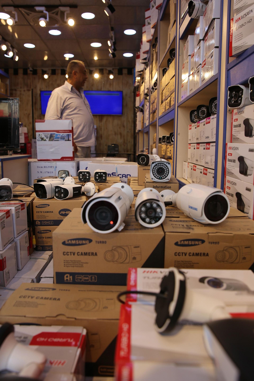كاميرات مراقبة (صباح عرار/ فرانس برس)