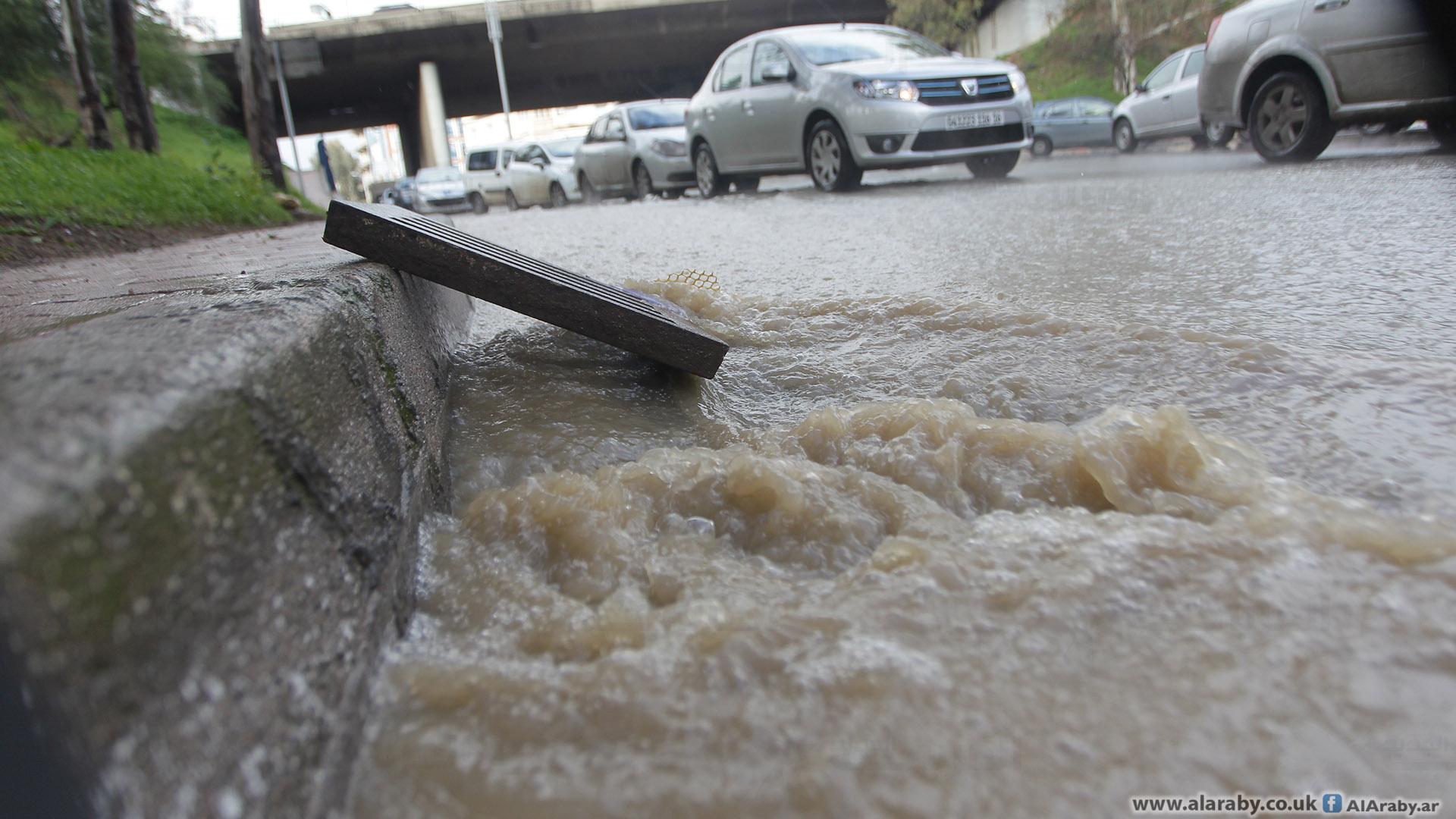 أدت الفيضانات والسيول الأخيرة إلى مقتل ثمانية أشخاص (العربي الجديد)