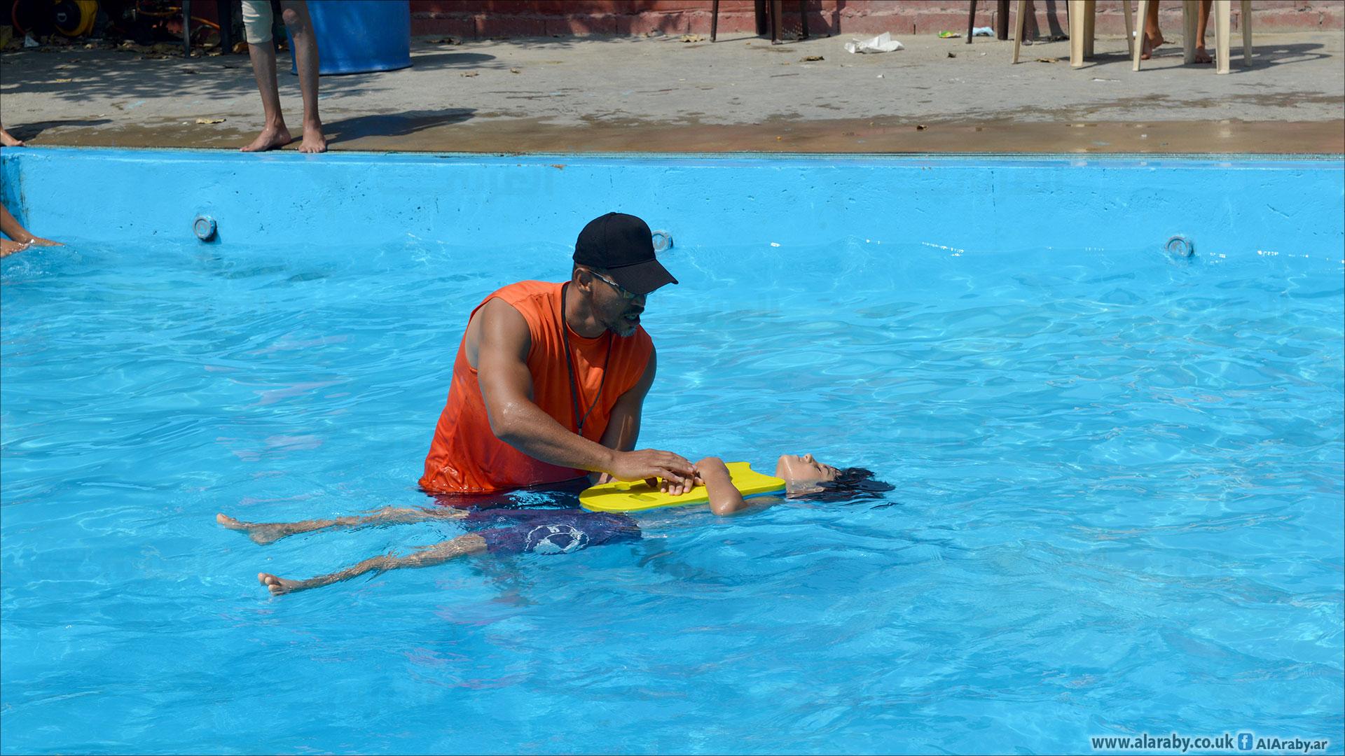 تدريب سباحة بمخيمات اللاجئين الفلسطينيين في لبنان 3 (العربي الجديد)