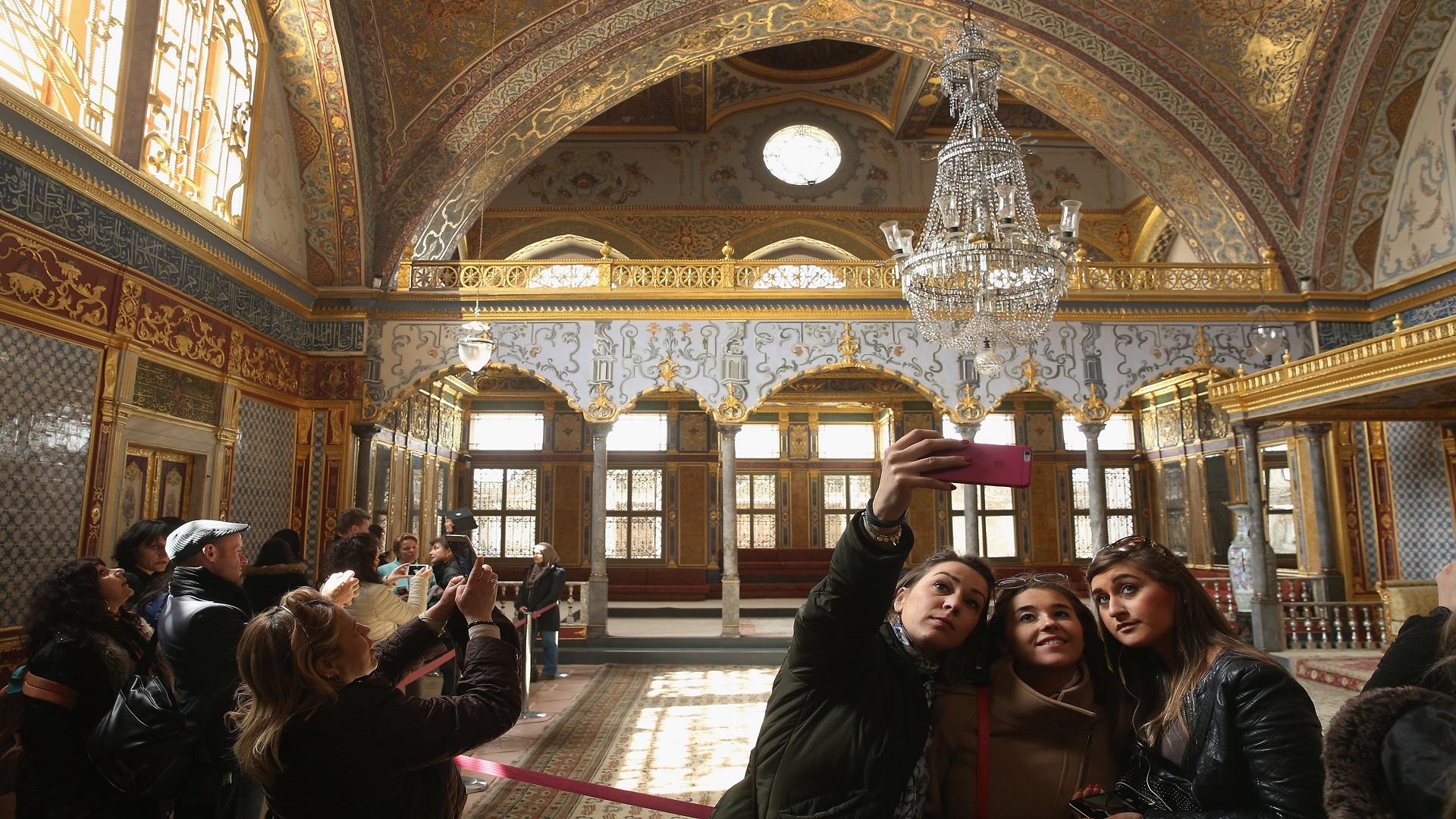 """توب كابي""""... متحف الباب العالي وحافظ التاريخ العثماني"""