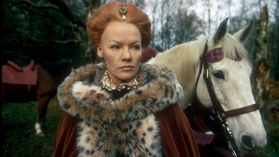 غليندا جاكسون في دور الملكة إليزابيث I