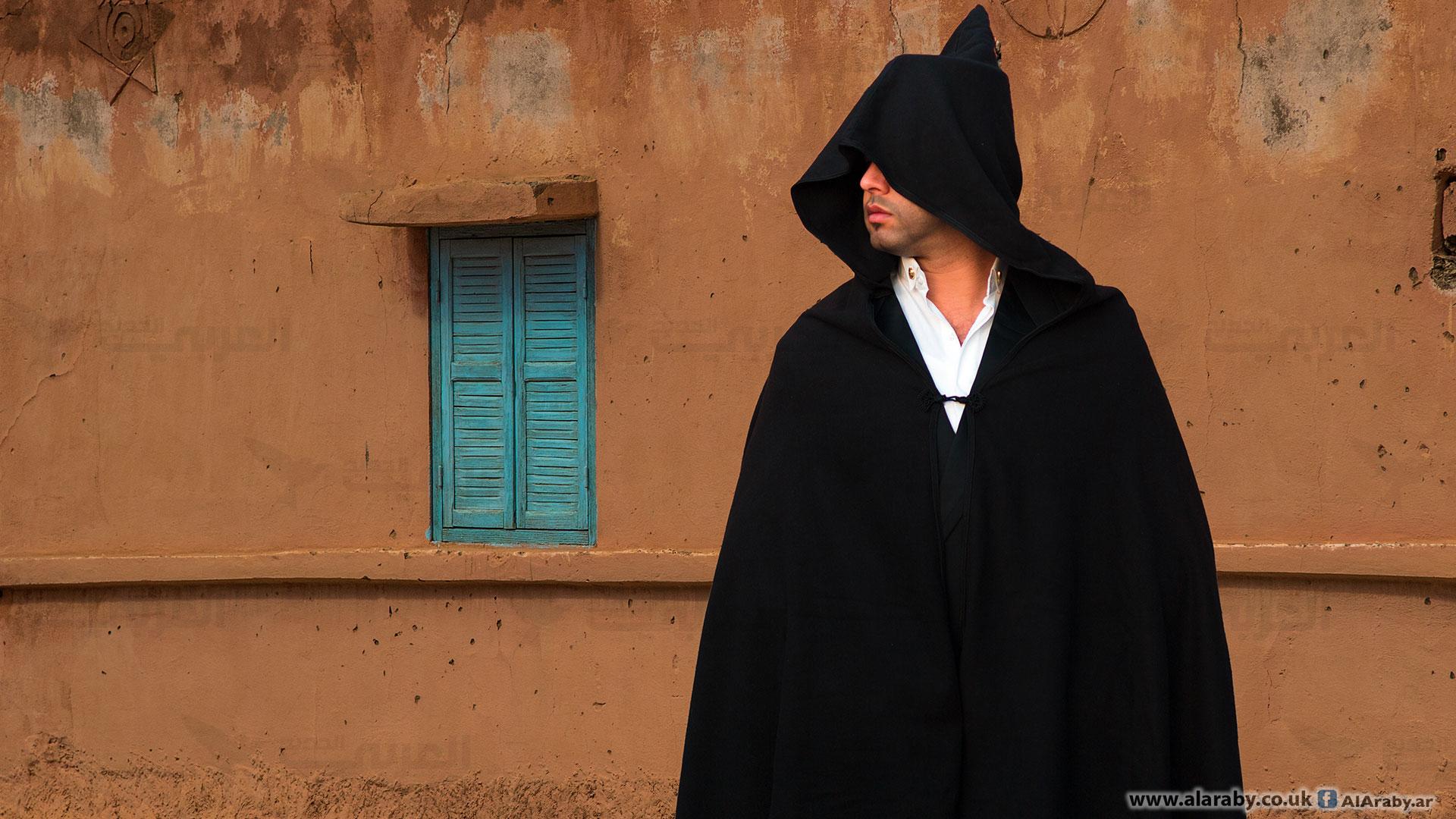 السلهام المغربي ارتداه السلاطين وأغرمت به النساء