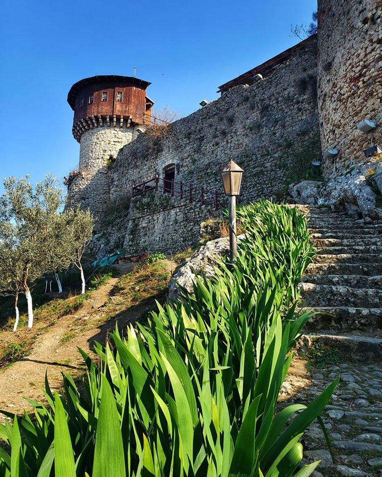 قلعة تيرانا