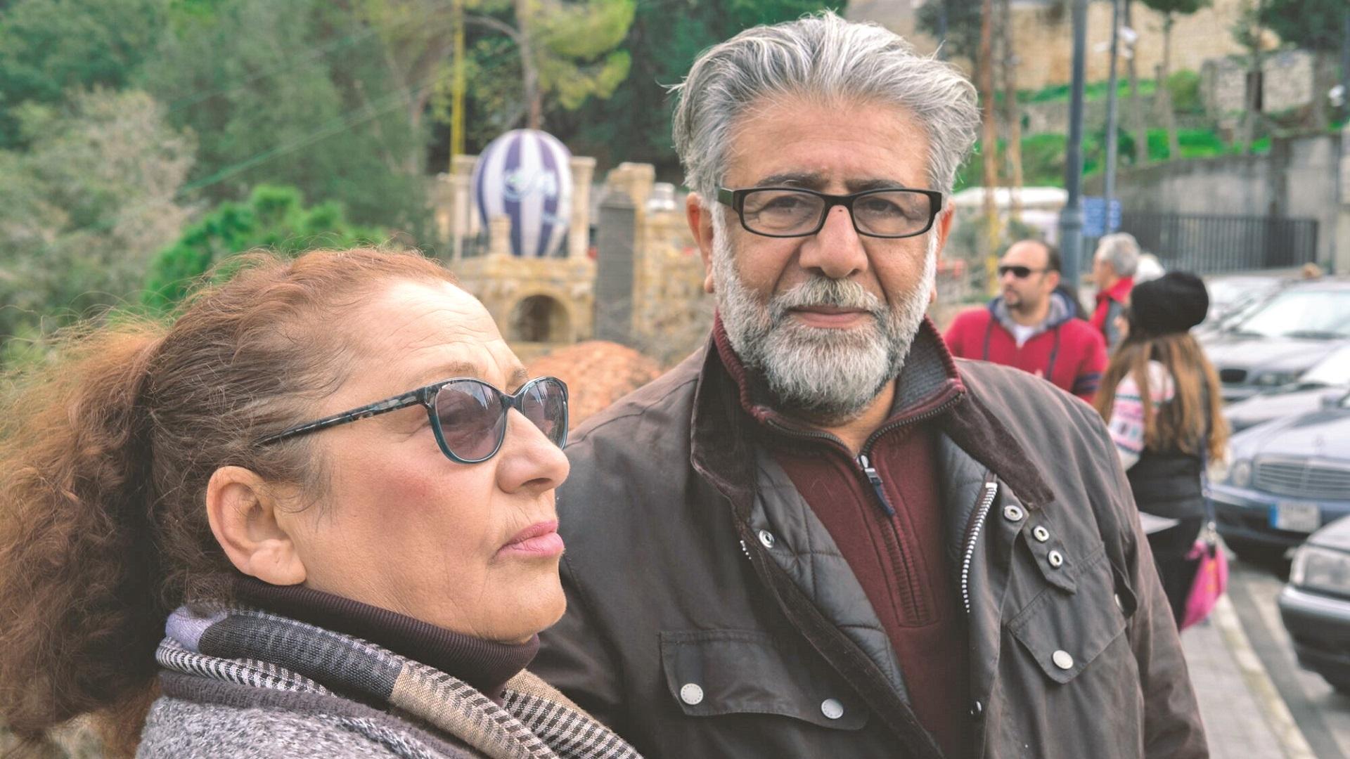 الشاعر وزوجته هند