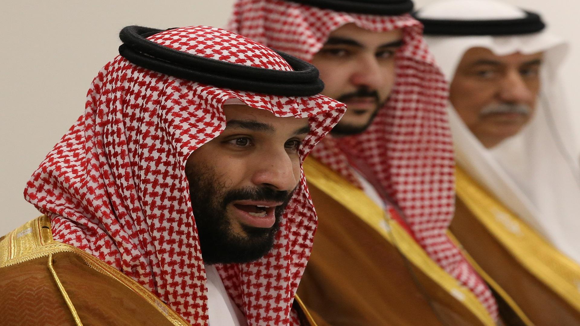 بن سلمان ينك ل بأمراء الأسرة الحاكمة رقابة وإقامة جبرية