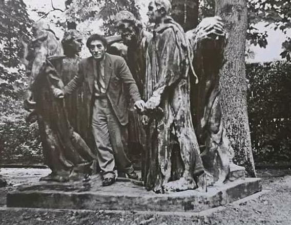 جياكوميتي في متحف رودان وبين منحوتات أحد أعماله