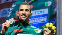 البطل الأولمبي مخلوفي يناشد الدولة الجزائرية لإجلائه لبلده