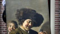 لوحة صبيان يضحكان/فرانس برس