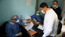 أطباء في مصر (أحمد حسن/ فرانس برس)