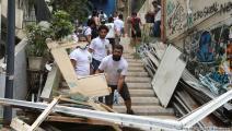 خلال رفع الركام من شارع الجميزة في بيروت (حسين بيضون)
