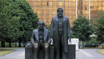 ماركس وإنغلز في برلين