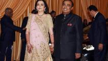 موكيش أمباني أغنى رجل في الهند مع زوجته