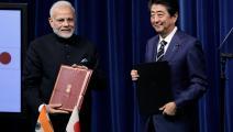 الزعيمان الهندي ناريندرا مودي والياباني شينزو آبي يوقعان مذكرة تفاهم وتعاون اقتصادي