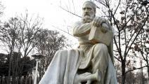 تمثال عمر الخيّام في نيسابور؛ مسقط رأسه