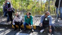 بعض أقارب السجناء الفارين (أنور عمرو/ فرانس برس)