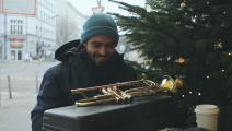 """الموسيقيّ ميلاد خوام في برلين: """"نحن من هناك"""" (الملف الصحافي للفيلم)"""