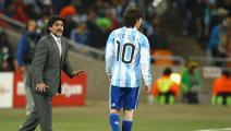 JOHANNESBURG, SOUTH AFRICA - JUNE 27: Diego Maradona head coach of Argentina gestures to Lionel Messi of Argentina during to the 2010 FIFA World Cup South Africa Round of Sixteen match between Argentina and Mexico at Soccer City Stadium on June 27, 2010 in Johannesburg, South Africa. (Photo by Richard Heathcote/Getty Images)