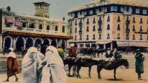 بطاقة بريدية تصور ساحة رئيسية في الدار البيضاء مطلع القرن العشرين