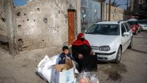 يعيش الفلسطينيون في القطاع على مساعدات شحيحة (محمد عابد/فرانس برس)