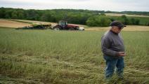 مزارع أميركي في ولاية ماريلاند يأمل في انتهاء التوترات التجارية التي أضرت بالصادرات الزراعية/ فرانس برس