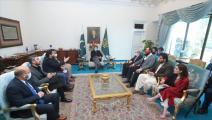 رئيس وزراء باكستان يستقبل وفدا فنيا من تركيا (تويتر)