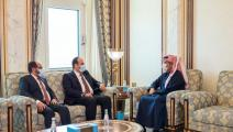 وزير الخارجية القطري ورئيس الائتلاف السوري المعارض (العربي الجديد)