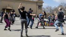 حفلات رقص صامت في برشلونة لتخفيف آثار كورونا- تويتر