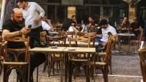 مقهى في سورية (لؤي بشارة/فرانس برس)