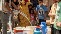 يضطر كثيرون إلى الاعتماد على صهاريج المياه (دليل سليمان/ فرانس برس)