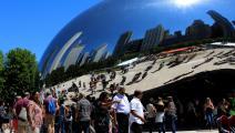 تجهيز عملاق للفنان الهندي أنيش كابور في شيكاغو (Getty)