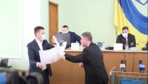 مشاجرة عنيفة في برلمان أوكرانيا بسبب علم روسيا- يوتيوب