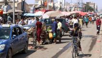 سوق تجاري بالقرب من ميناء عدن (صالح العبيدي/ فرانس برس)