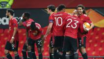 مانشستر يونايتد يحارب العنصرية بمعاقبة 6 مشجعين