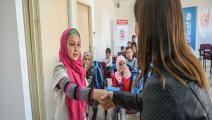 معلمة تركية تدرِّس لاجئين سوريين (أوزان كوزيه/ فرانس برس)