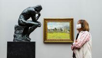 """تمثال """"المفكّر"""" لأوغست رودان في """"المتحف الوطني القديم"""" ببرلين (Getty)"""