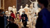 """صباح اليوم في """"متحف اللوفر"""" (ألان جوكار، Getty)"""