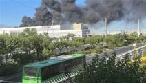 حريق بمصنع للمواد الغذائية في ألبرز الإيرانية (تويتر)