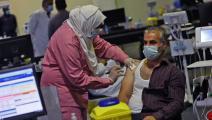 حصل على اللقاح في العاصمة القطرية الدوحة(كريم جعفر/ فرانس برس)