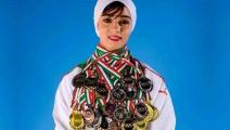 الجزائر/أمال بوشارف/بطلة كاراتيه/تويتر