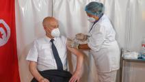 قيس سعيد خلال تلقي اللقاح (الرئاسة التونسية)