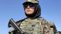 جندية أفغانية في حفل تخرج (هارون ساباوون/ الأناضول)
