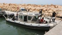 إنقاذ مهاجرين عند السواحل التونسية (تسنيم نصري/ الأناضول)