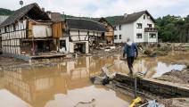 خسر الكثير من جراء الفيضانات (بيرند لوتر/ فرانس برس)