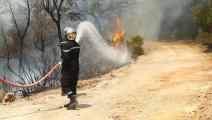 رجال إطفاء وحرائق في تونس (ياسين قايدي/ الأناضول)