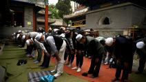 مسلمون يصلون في بكين (نويل سيليس/ فرانس برس)