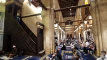 صلاة في جامع في مصر (محمد الشاهد/ فرانس برس)