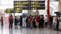 زيادة الرحلات الجوية تنعش شراء العملات الأجنبية (Getty)